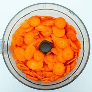 couper ou r per des carottes laisse souvent des traces orang es sur le robot culinaire pour les. Black Bedroom Furniture Sets. Home Design Ideas