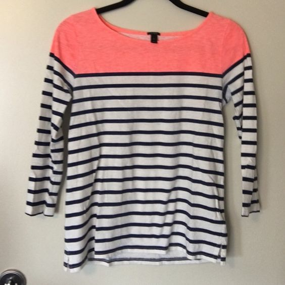 J.Crew knit top size S J.Crew knit top size S. Worn about 6-7 times. Only flaw is that the navy ink from the stripes has rubbed slightly in the underarm area. That will most likely fade out with hand washing in that area. Price negotiable, no trades please! Also listed for less on ♏️. J. Crew Tops Tees - Long Sleeve