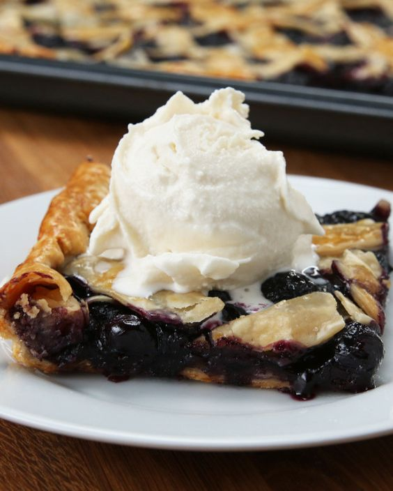 Blueberry Peach Slab Pie | This Blueberry Peach Slab Pie Is Right Up Your Alley