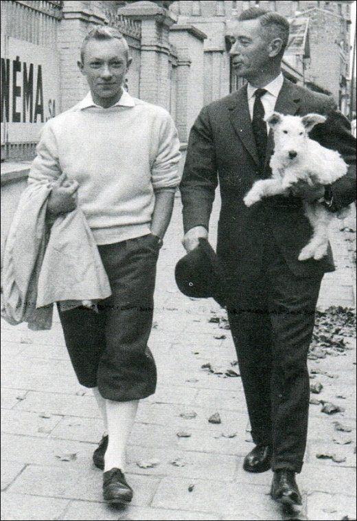Georges Rémi et Jean-Pierre Talbot en Tintin pendant le tournage de Tintin et les Oranges Bleues en 1964.