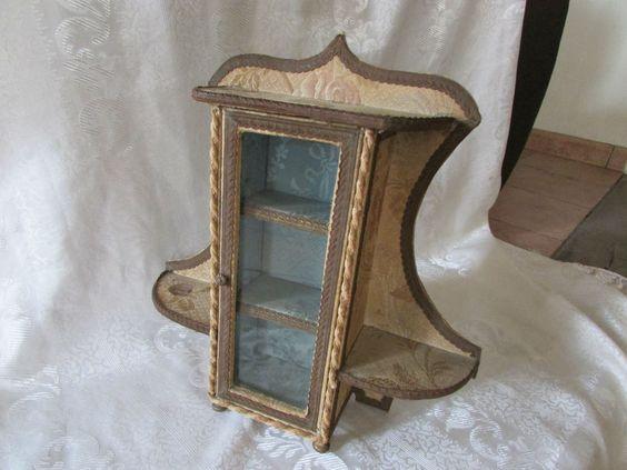 ancienne armoire vitrine meuble a poser maison de poupee ebay boites en tissu fleuri french. Black Bedroom Furniture Sets. Home Design Ideas