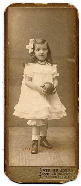 +~+~ Antique Photograph ~+~+   Girl with ball ~ Atelier Ideal, Hamburg-Barmbek