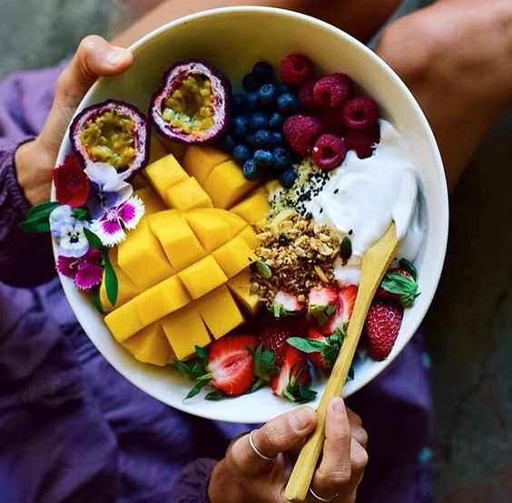 @elsas_wholesomelife #fruit #breakfastbowl