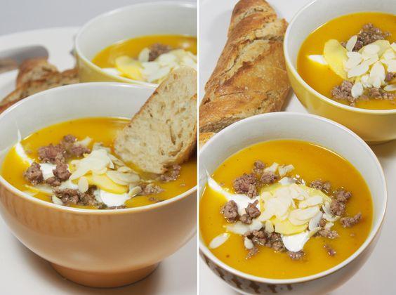 Kürbissuppe mit Apfel und Hackfleisch
