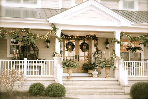 Beautiful Christmas porch (from Room 363)