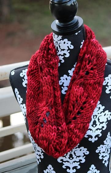 Vite Cowl Knitting Pattern : Vite Cowl by Kristi Johnson, in malabrigo Rasta, Ravelry Red colorway Free ...