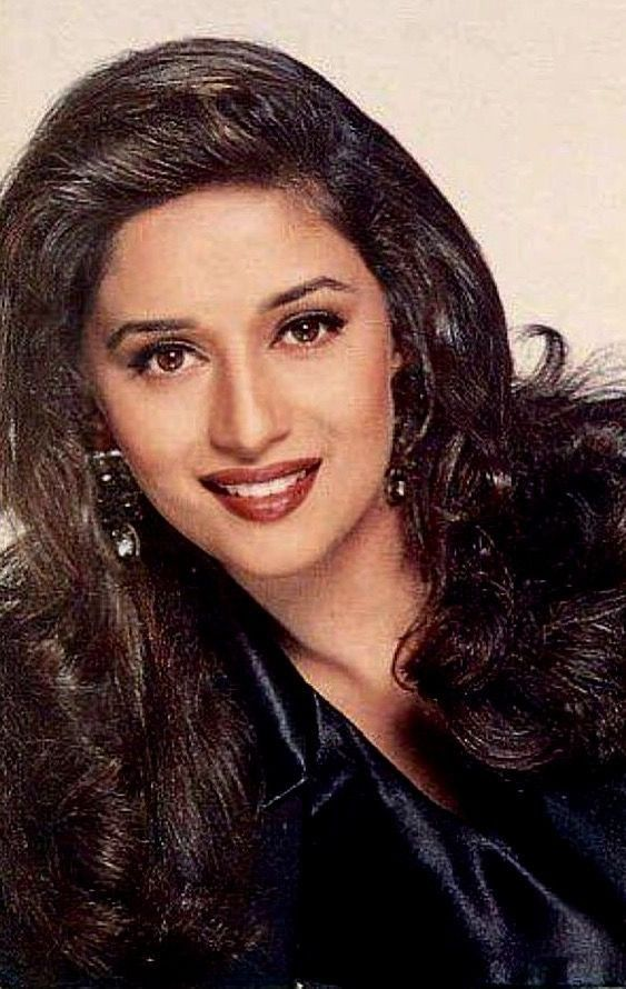 Pin By P S On Actress Of Bollywood Beauty Full Girl Beauty Madhuri Dixit