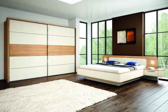 DENVER - Schlafzimmer in Eiche Royal Furnier und Creme Matt, bestehend aus Schwebetürenschrank, Doppelbett mit schwebenden Nachtschränken