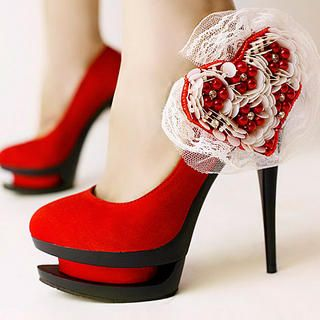 Brings a new meaning to Kellie Pickler's Red High Heels ...
