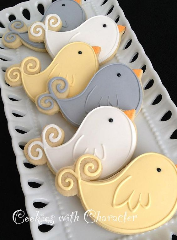 Little bird cookies https://www.facebook.com/216082438437841/photos/pb.216082438437841.-2207520000.1409266108./617580798288001/?type=3&theater
