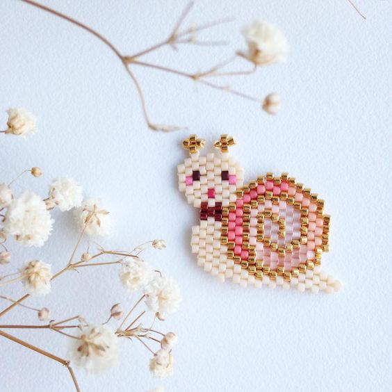 Escargot (Rose Moustache)