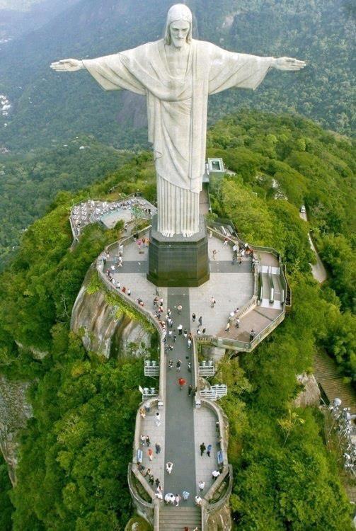 Christ the Redeemer ('Cristo Redentor') atop Corcovado mountain, Rio de Janeiro, Brazil