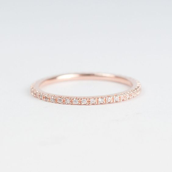 Rose gold #ring. so pretty and simple. I actually wouldn't mind wearing this everyday.