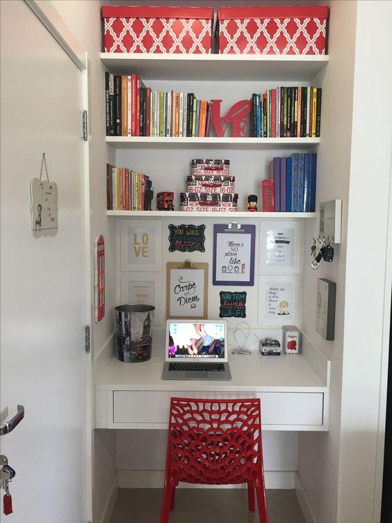 Mini office para aproveitar cada espaço do Ap.
