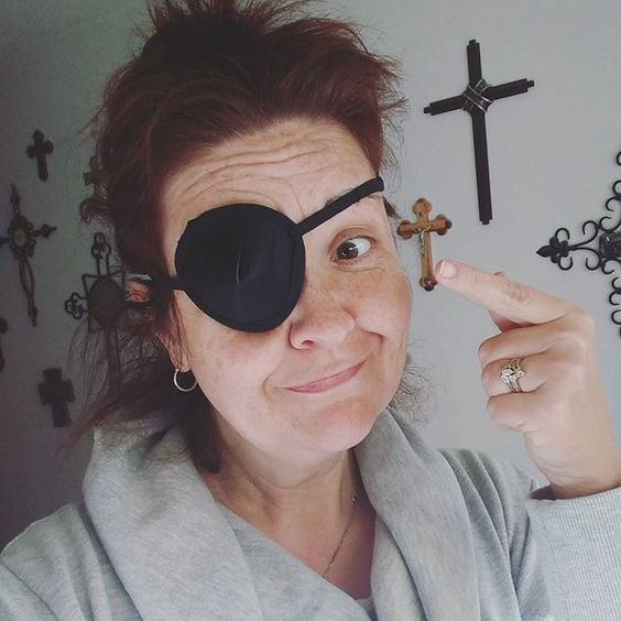 Is this a good look or what? #notapirate #stupideye: