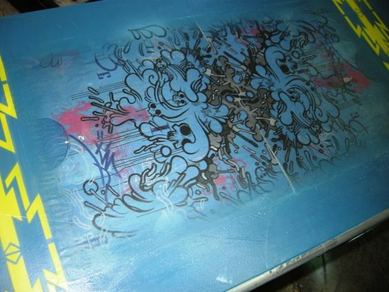 Detalle mueble grafitti de Mael Monder para Antiquería Santa Maria