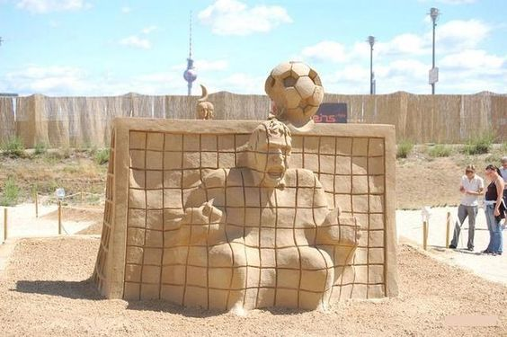 Amazing Sand Sculptures and Sand Art