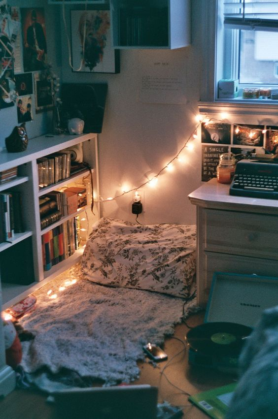 Cheap home decor using chain lights