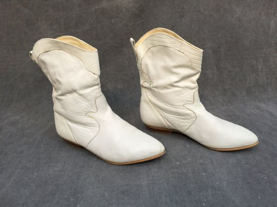 80's White Turf Cowgirl Leather Snakeskin Boots  by ElkHugsVintage
