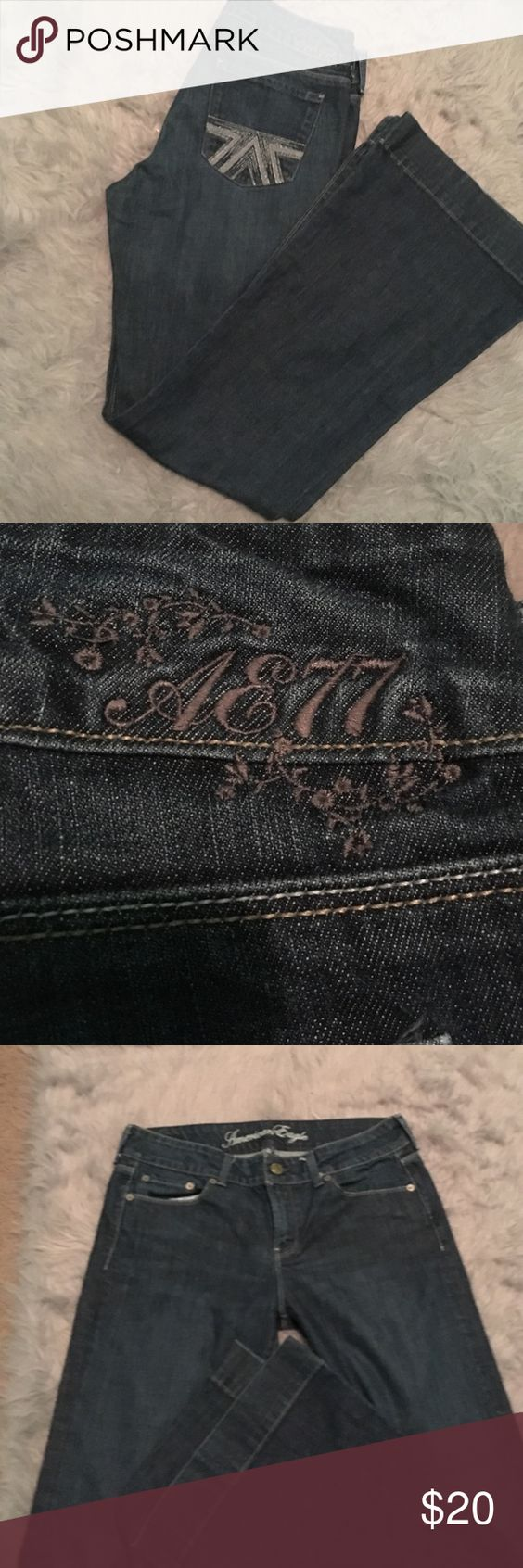 American Eagle Bell Bottom Jeans !👖👖👖