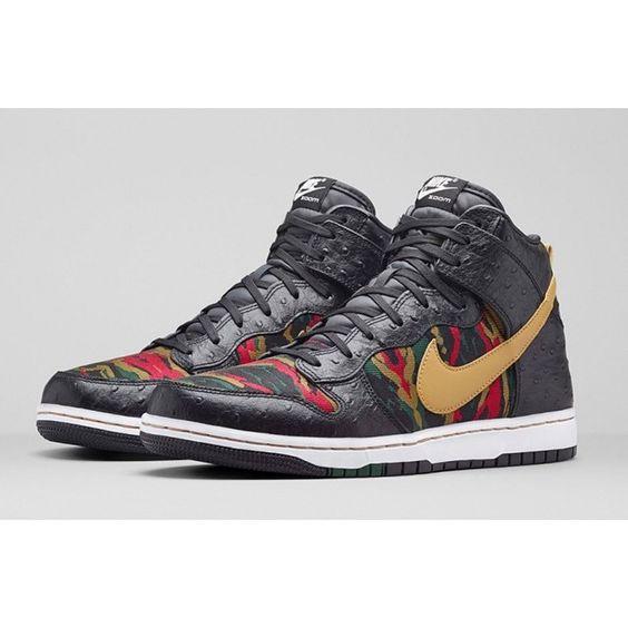 Nike Dunk CMFT Premium - Purchase Links, now on SneakerWatch! (Link In Bio)