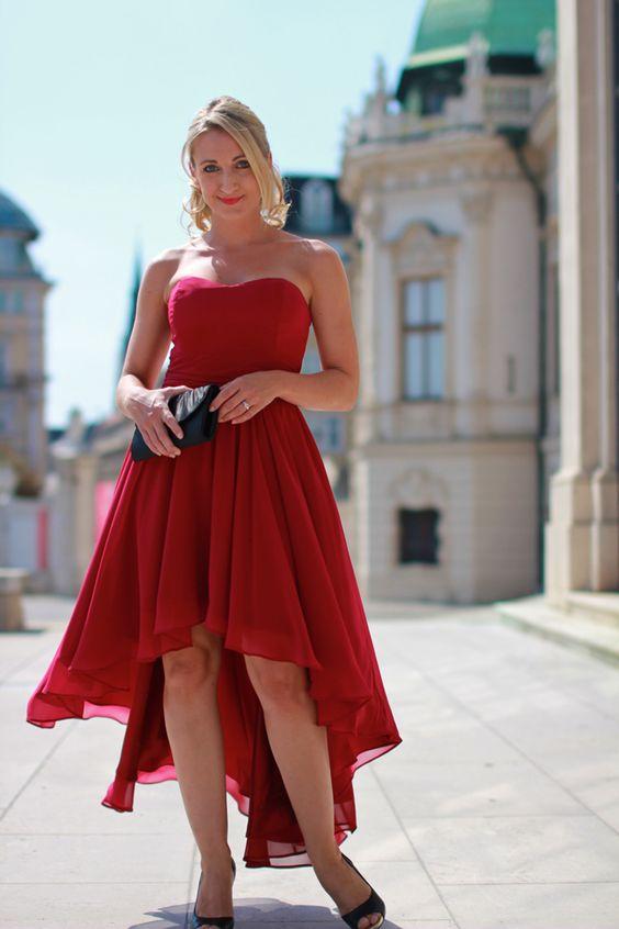 maid of honor, witness / Trauzeugin / Vokuhila Kleid / rotes Kleid / Chiffonkleid / Hochzeit / red dress - Sign via Zalando / clutch - Asos / black peep toes - Deichmann / Modeblog Österreich / Austrian fashion blog / blogger