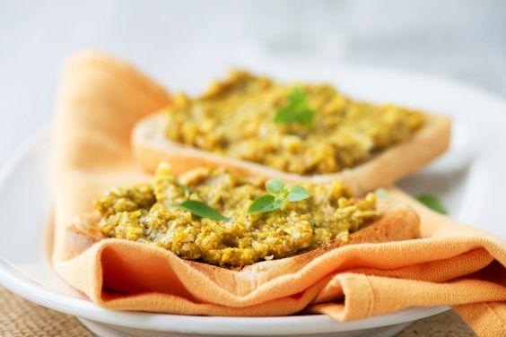Ein Rezept mit dem allbekannten, schnellwachsendem Kraut Brunnenkresse und feinen Mandeln verspricht Ihnen ein garantiertes Pesto-Erlebnis.