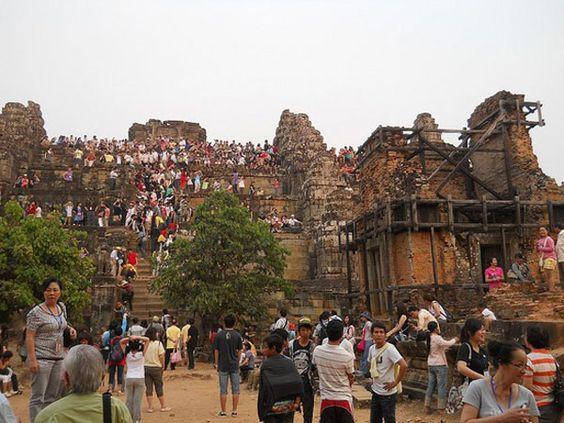 Phnom Bakheng được xây để thờ thần Shiva