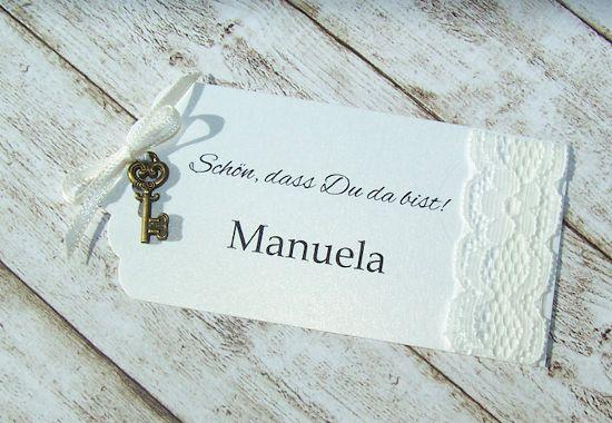 Namenskärtchen / escort card Hochzeit Vintage Spitze Schlüssel