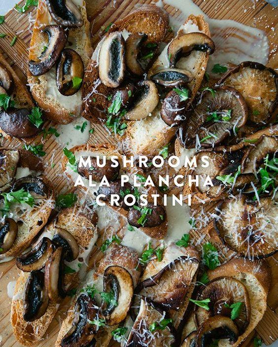 MUSHROOMS ALA PLANCHA CROSTINI // The Kitchy Kitchen