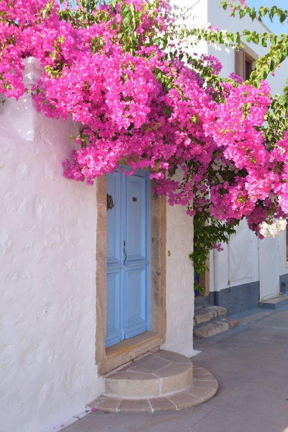 La porte - Magnifique porte bleu d'une maison à pathmos