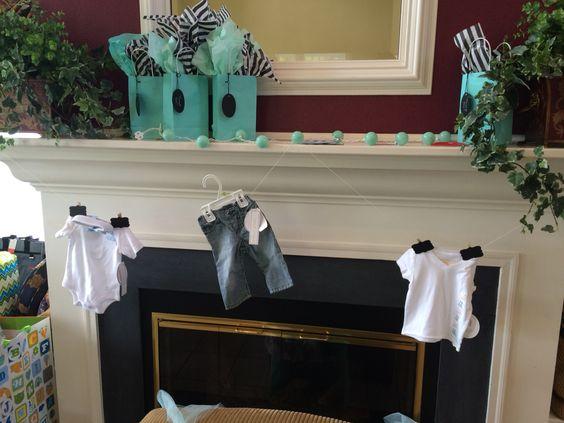 Baby & Co clothesline.