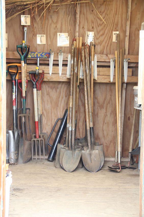 Waimea hi school garden toolshed community garden ideas for Gardening tools for schools