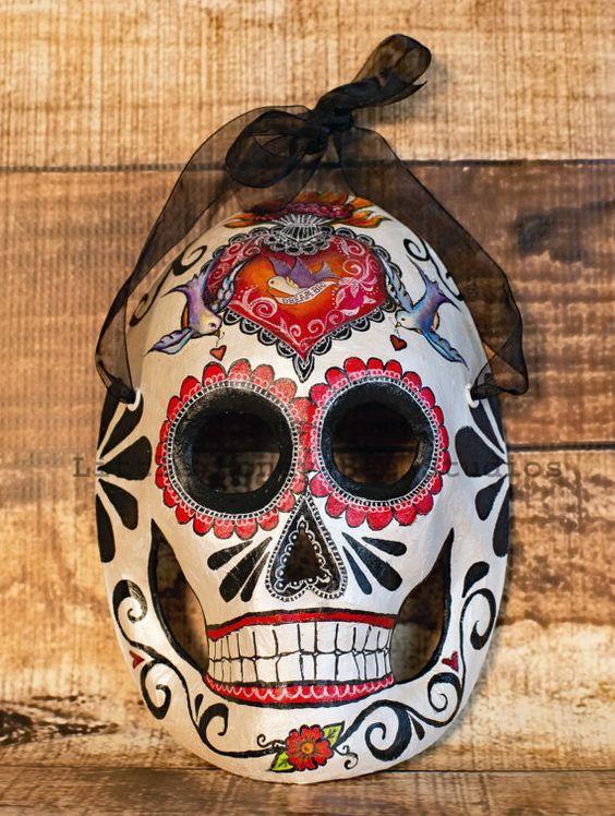 Hey, I found this really awesome Etsy listing at https://www.etsy.com/listing/464445770/el-corazon-dia-de-los-muertos-mask-sugar