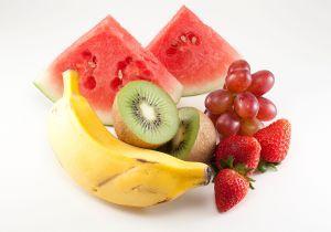 Comer frutas diariamente protege o coração