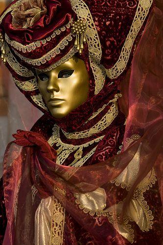Carnivale Venice ════════════════════════════ http://www.alittlemarket.com/boutique/gaby_feerie-132444.html ☞ Gαвy-Féerιe ѕυr ALιттleMαrĸeт   https://www.etsy.com/shop/frenchjewelryvintage?ref=l2-shopheader-name ☞ FrenchJewelryVintage on Etsy http://gabyfeeriefr.tumblr.com/archive ☞ Bijoux / Jewelry sur Tumblr