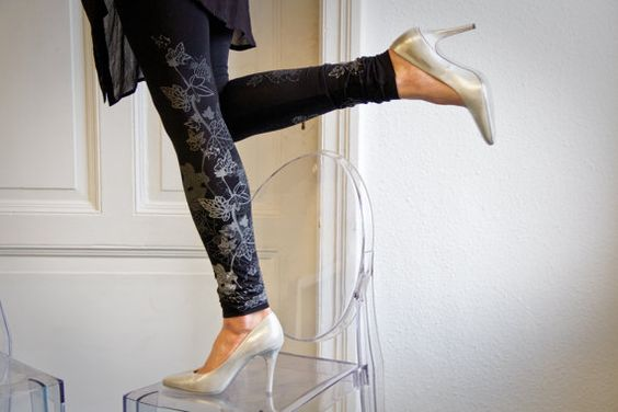 Midnight frost  black leggings with greyish ice door ZIBtextile, $50.00
