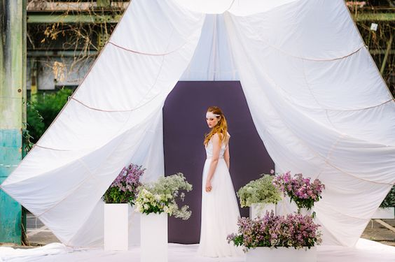 """noni bridal collection """"federleicht"""" 2017_Photography by Le Hai Linh Photography as seen on Wedding Blog Humming Heartstrings. Read more: http://www.hummingheartstrings.de/index.php/hochzeitsmode/noni-federleicht-kollektion-2017/"""