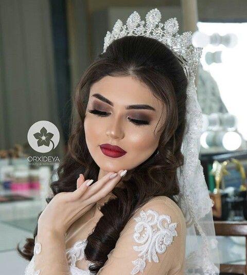 Pin By Aystar On Gelin Sac Makyaj Wedding Guest Hairstyles Wedding Hairstyles Hair Styles