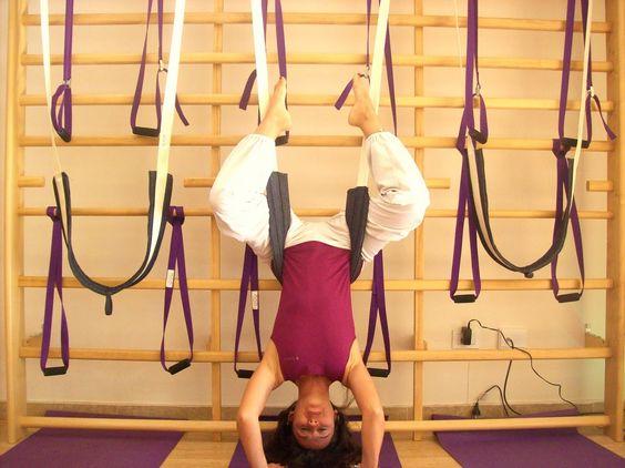 El uso del columpio de inversión, es de gran ayuda para todos ... www.brianball.yoga/resources