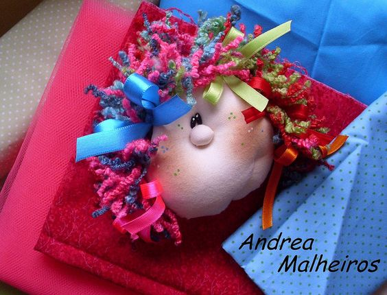 Carinha da Boneca Marcela em Detalhe... by Atelier Eu & Voce by Andrea Malheiros, via Flickr