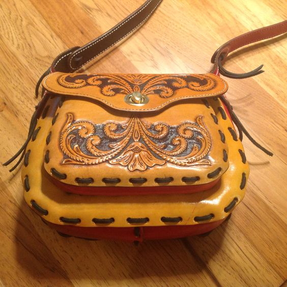 Hand Tooled Leather Purse by WESTERNDESIGNS on Etsy https://www.etsy.com/listing/234100851/hand-tooled-leather-purse