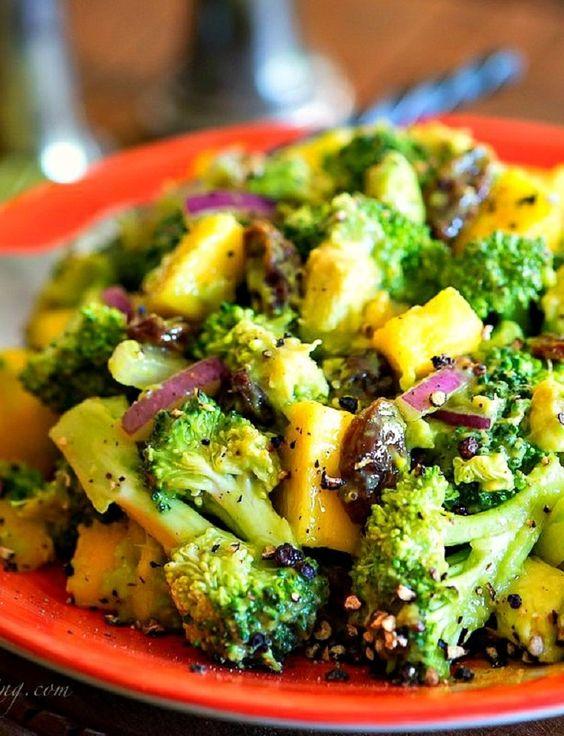 verken deze ideeën en meer magere broccoli salade broccolisalades ...
