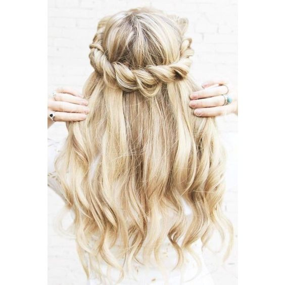 Rose gold hair ❤ liked on Polyvore featuring beauty products, haircare, pink hair accessories and rose gold hair accessories
