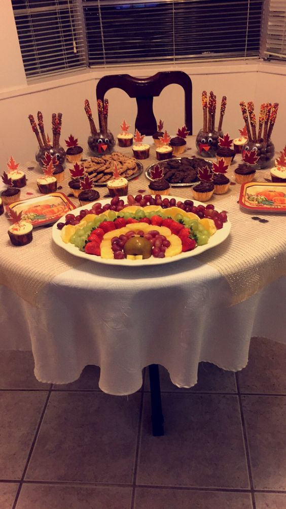 Thanksgiving Snack table