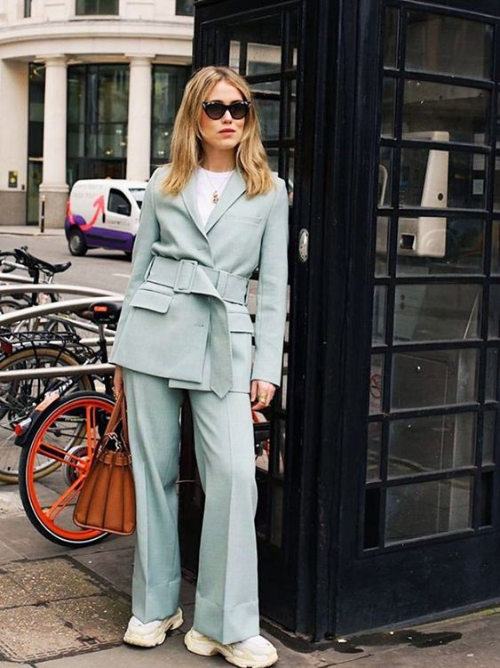 The best new addition to your spring outfit ideas is here. I've discovered the trick to easing yourself into the pastel suits trend.