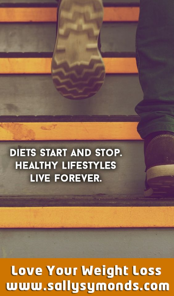 ✔️Step into the holiday season ready to lose weight. Use these top tips and strategies to lose weight during the Christmas rush without feeling like you are left out of the fun. Check them out on my blog today. #healthyliving #loseweight #weightlosstips