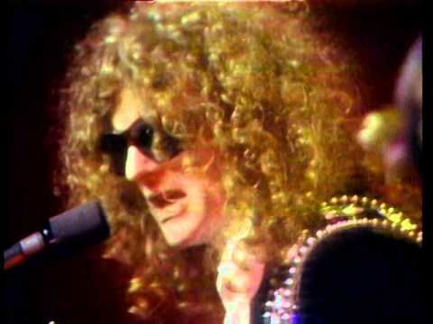 Mott The Hoople - All The Young Dudes.