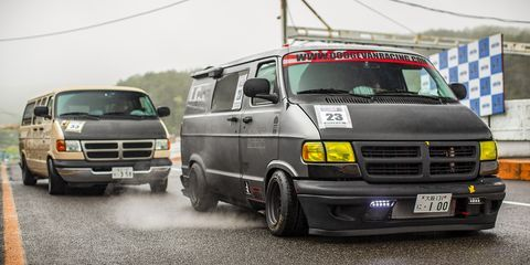 The Glorious Madness Of Japanese Dodge Van Racing In 2020 Dodge Van Van Dodge Ram Van