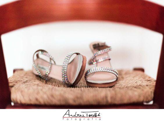 Le #scarpe delle #spose hanno sempre un #fascino #particolare  #brides #wedding #shoes